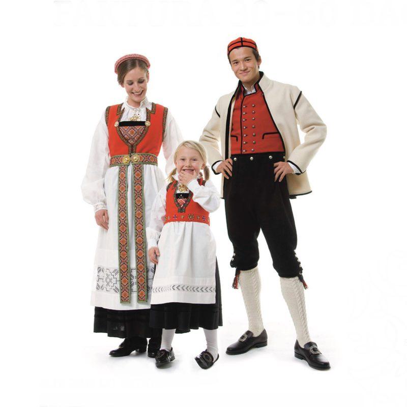 Heimen_Husfliden_konto_bunadsfamilie